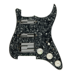 LACE - Alumitone Loaded Pickguard HH Black/chrome mascherina battipenna di colore nero perla, completa di 2 pickup alumitone humbucker chrome con finitura cromo